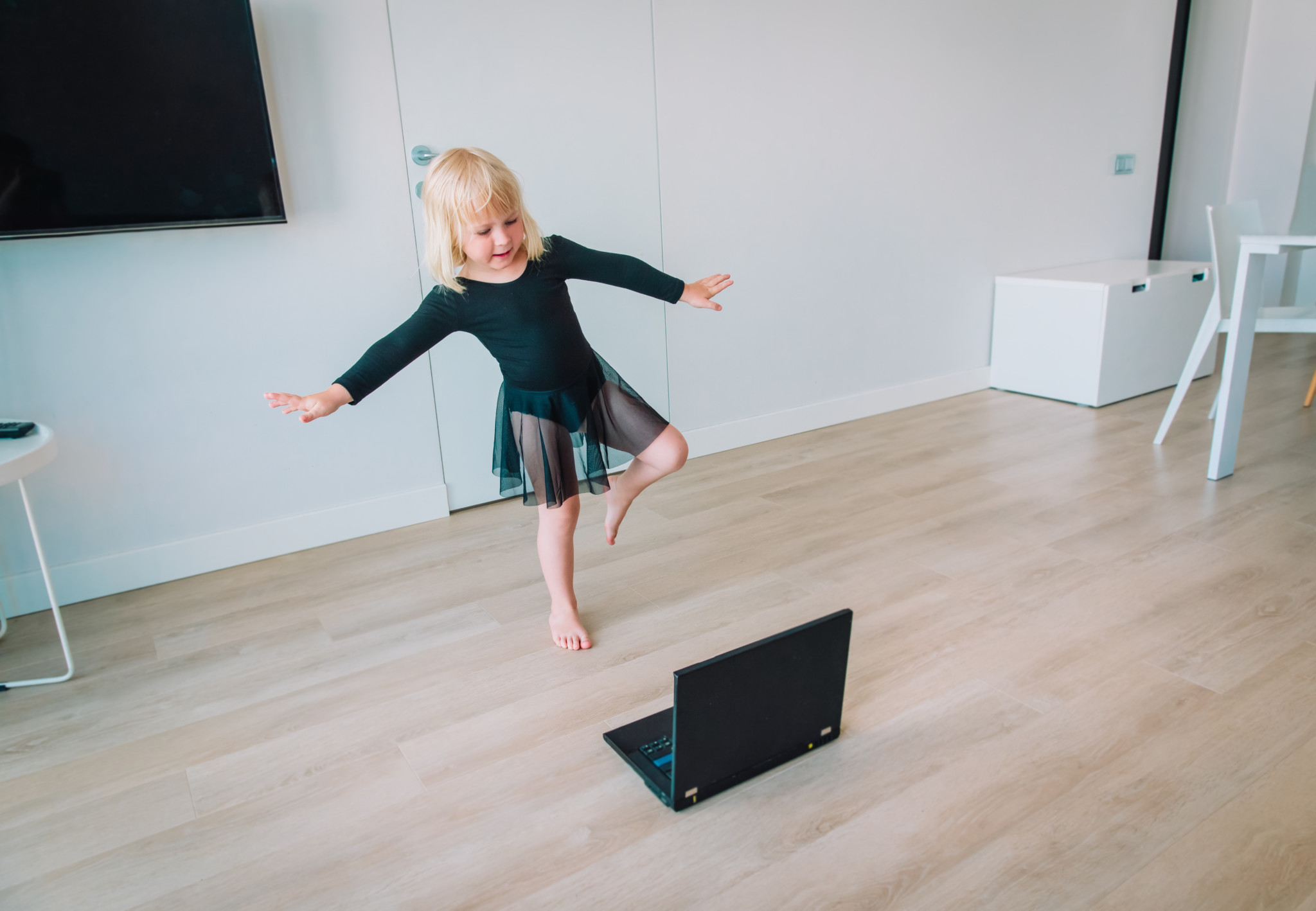 Ballet or gymastics lesson online. Remote learning for kids while stying home.
